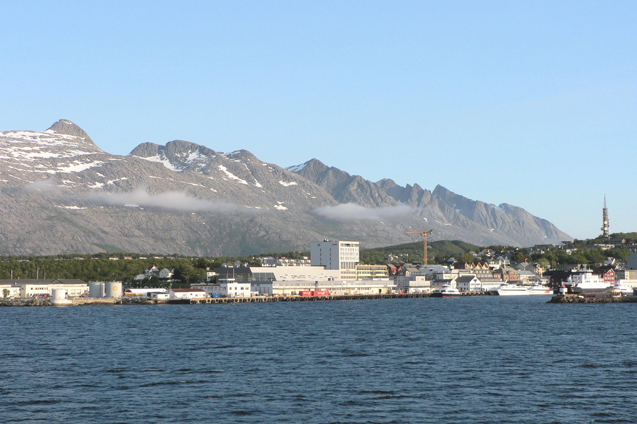 Midt på Helgelandskysten